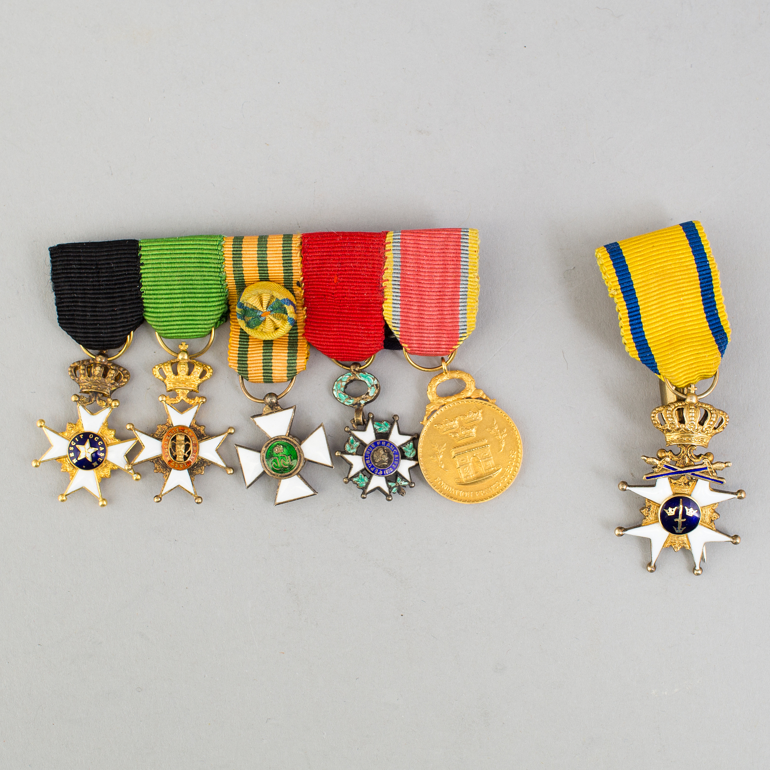 6 miniature medals from first half of the 20th century  - Bukowskis