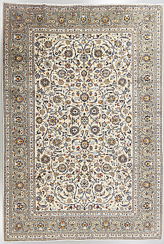 MATTA, Keshan, old, 348 x 248 cm.