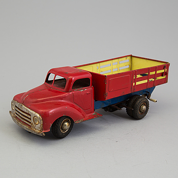 A tinplate Gama 501 truck, Germany, 1950s.