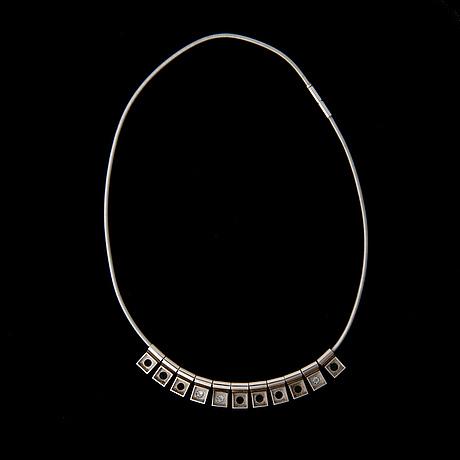 Collier, diamanter, safirer, smaragder, 18k vitguld. jaana lentinen, 2001