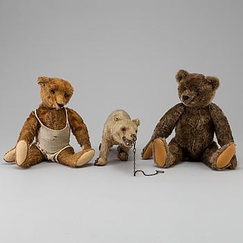 NALLAR, 3 stycken, bland annat Steiff, 1900-talets första hälft.