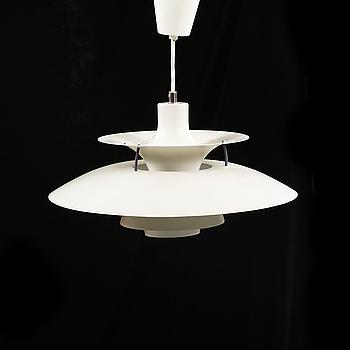 """POUL HENNINGSEN, taklampa, """"PH-5"""", för Louis Poulsen, 1900-talets fjärde kvartal, höjd ca 30 cm."""