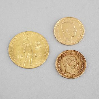 MYNT, 3 st, guld, Sverige och Nederländerna, 1900-tal, vikt ca 8 g.