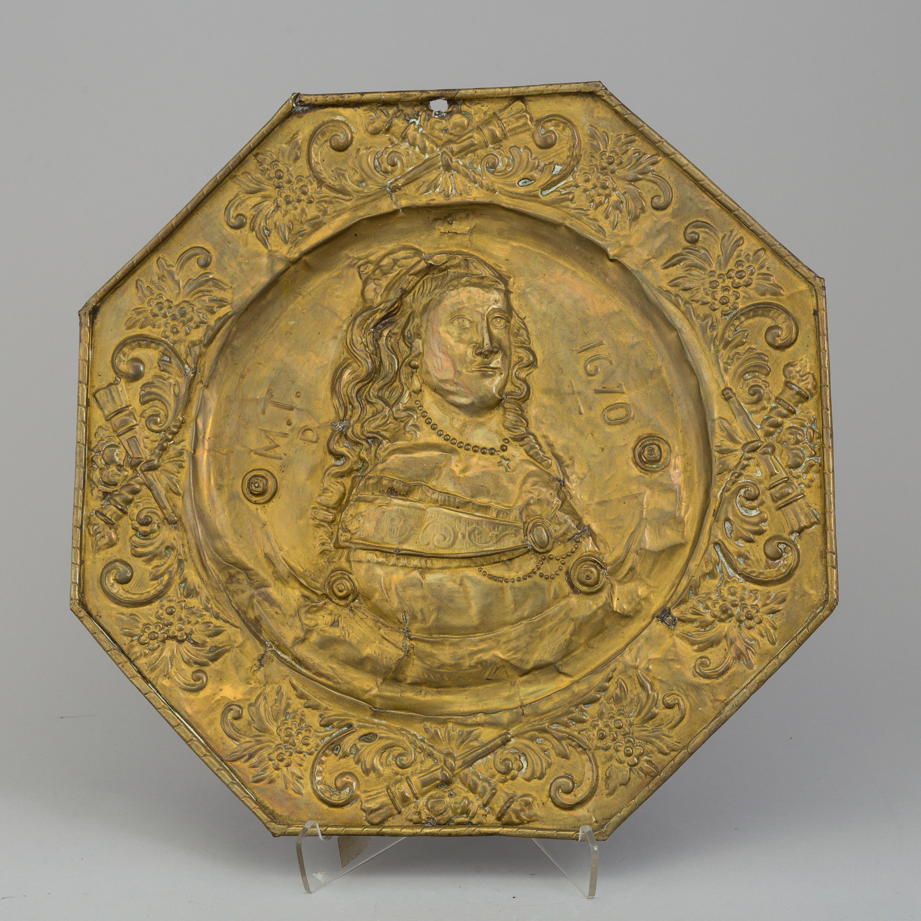 Image of: 7 18 Century Brass Wall Plaques Bukowskis
