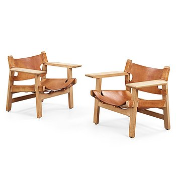166. Børge Mogensen, A pair of Børge Mogensen oak and leather 'Spanish chairs', Fredericia Stolefabrik, Denmark.
