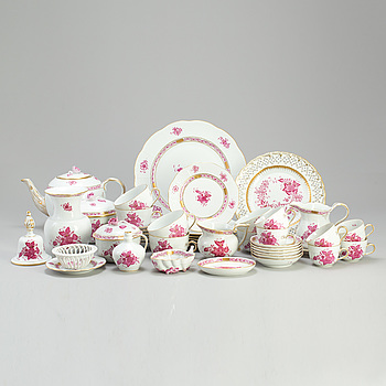 "KAFFESERVIS, ""Chinese Bouquet"", porslin, 33 delar. Ungern, Herend. 1900-talets andra hälft."