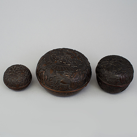 Three japanese wooden boxes with covers, early 20th century.