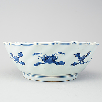 A blue and white Japanese bowl, 18th Century.