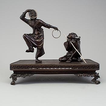 A Japanese bronze sculpture group, Meiji period (1868-1912).
