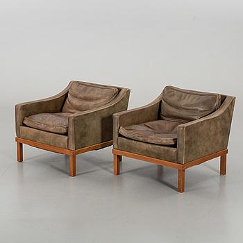 """FÅTÖLJER, ett par, """"PRESIDENT"""" av Ingemar Thillmark for OPE, 1960-tal."""