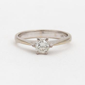 RING med briljantslipad diamant.