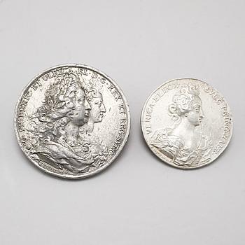 MINNESMEDALJER, 2 st, tenn, Ulrica Eleonora och Fredrik I, bl a I. C. Hedlinger, 1700-tal.