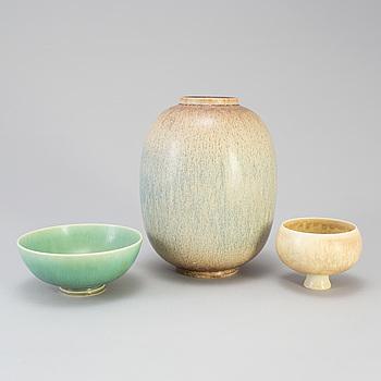 SVEN WEJSFELT, två skålar och en vas, stengods. Unika, signerade.