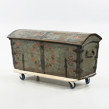 A wooden chest from 1781.
