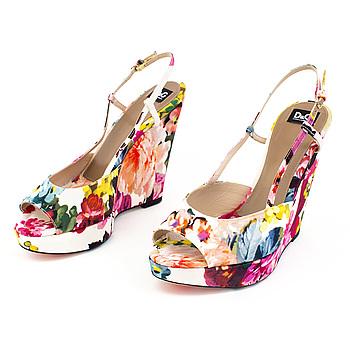 Slingback shoes by Dolce Gabbana, size 39 1/2.