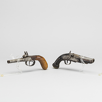 A PERCUSSION PISTOLS, 19th century.