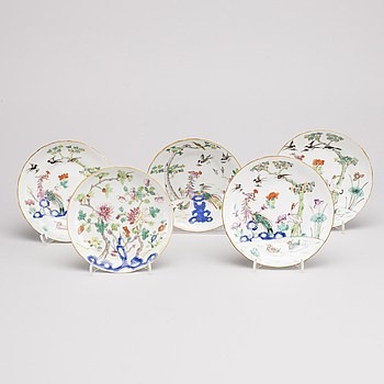 A SET OF 5 CHINESE PLATES, late 19th century.