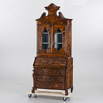 SKRIVSKÅP, Louis XV-stil, 1900-talets andra hälft.