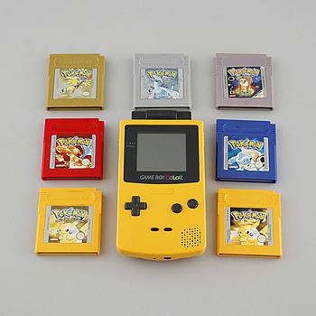 SPELKONSOL, GameBoy Color, Nintendo, samt 8 spel, 1900-talets slut.