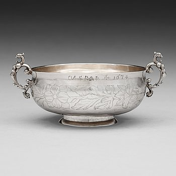117. A Swedish 17th century silver brandy-bowl, mark of Lars Olofsson Börst, Skänninge (1670-1675).