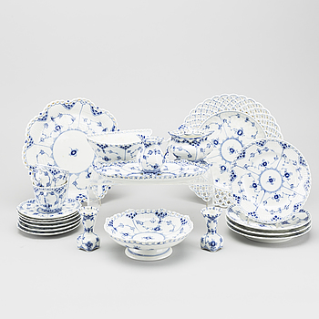 "KAFFESERVIS, porslin, ""Musselmalet"" Helblond. Royal Copenhagen, 30 delar."