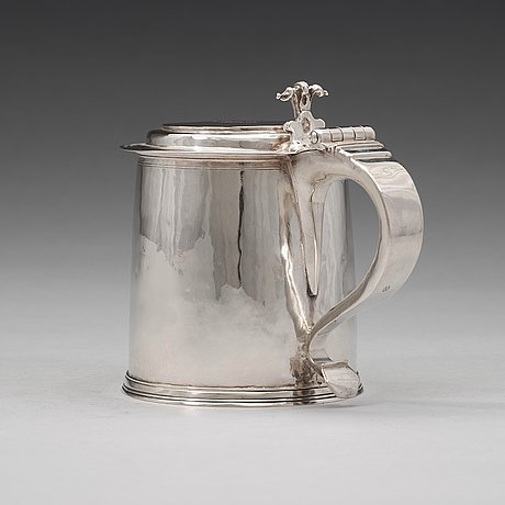 An english 17th century silver tankard, possibly of john ruslen, london 1680.