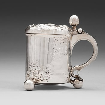 125. A Norwegian early 18th century silver tankard, mark of Johannes Johannesen Reimers d e, Bergen c.1700.