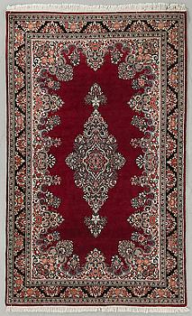 MATTA, semiantik, Sarouk, ca 205 x 126 cm.