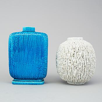 GUNNAR NYLUND, vaser, 2 st, av chamotte, Rörstrand.
