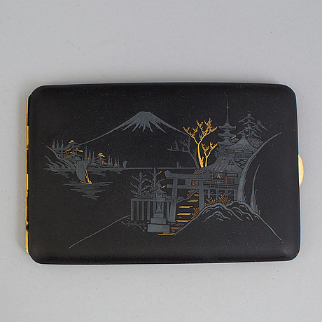 A japanese silver gilt decorated metal calling card case, meiji period (1868-1912).