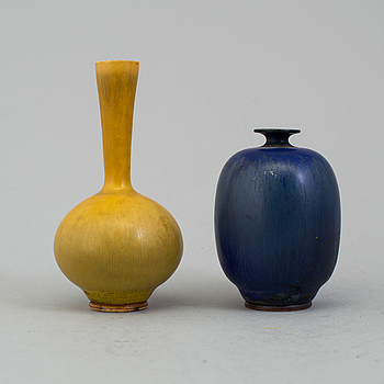 BERNDT FRIBERG, miniatyrvaser, 2 st, Gustavsberg studio 1967 och 1968.