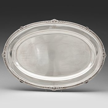 233. A Fabergé silver serving-dish, Moscow 1908-1917.