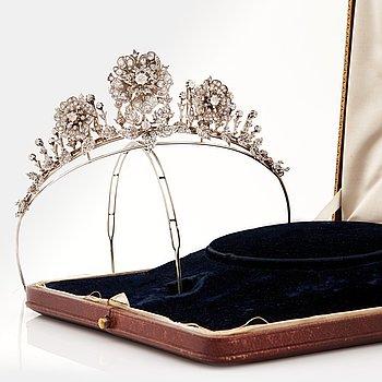 805. A tiara with old cut diamonds. Late 19th century.