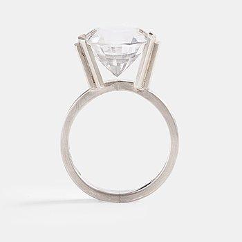94. Wiwen Nilsson, ring, Lund 1962, sterling med bergkristall.