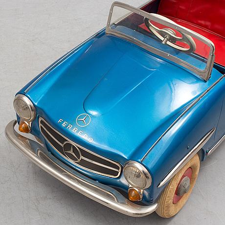 A mid 20th century tin mercedes ferbedo pedal car bukowskis for Mercedes benz pedal car