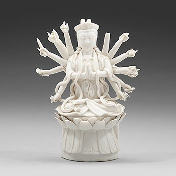 606. A blanc de chine figure of Guanyin, Qing dynasty (1644-1912).