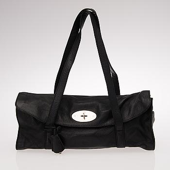 MULBERRY, A BLACK LEATHER SHOULDER BAG.