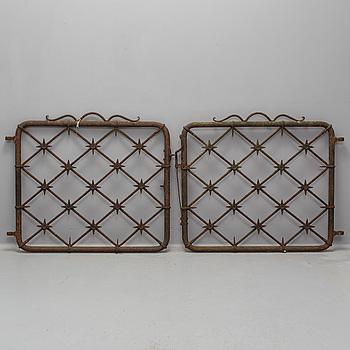 A pair of iron gates, first half 20th century.