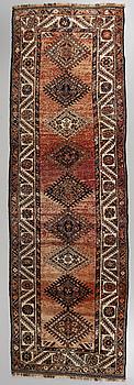 GALLERIMATTA, Shiraz, semiantik, 353 x 117 cm.