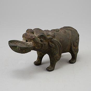 RÖKELSEKAR, brons. Sydostasien, 1900-tal.