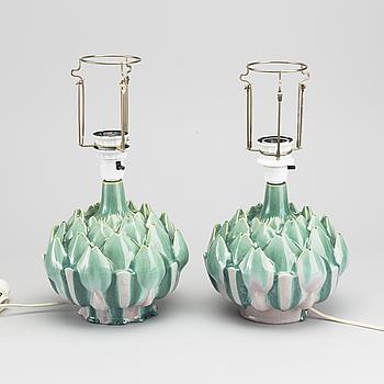 BORDSLAMPOR, ett par, keramik, Rosa Ljung, Torekov. 1900-talets andra hälft.