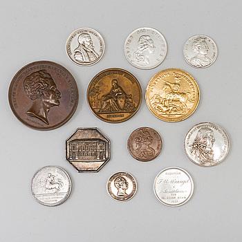 SAMLING MEDALJER, 12 st, bland annat silver och brons, 1700-1900-tal.