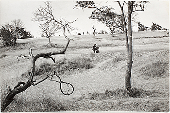 HENRI CARTIER-BRESSON, gelatin silver print stamped by the photographer and by Magnum Photos Incorporated on verso.
