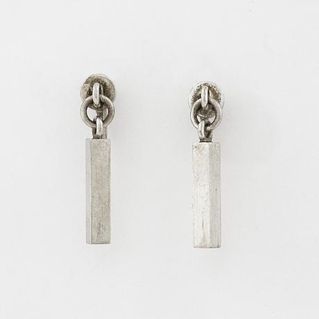 A pair of earrings by wiwen nilsson, lund, 1956.