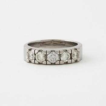 RING, med briljantslipade diamanter cirka 1.05 ct.