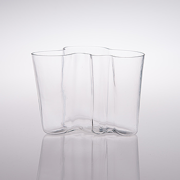 """ALVAR AALTO, VAS, glas, """"Savoy"""", signerad Alvar Aalto 3030."""