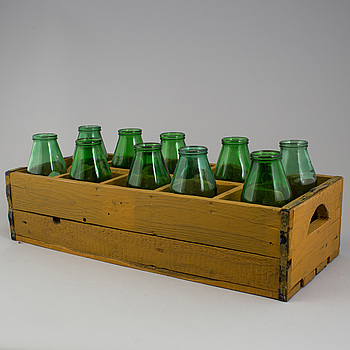 A bucket with bottles, 20th century.