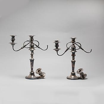 LJUSSTAKAR, ett par, nysilver, England, tidigt 1900-tal.