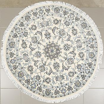 MATTA, Nain, diameter 143 cm.
