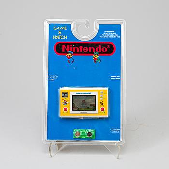 A Nintendo Game&Watch Mario the Juggler game Japan 1991.
